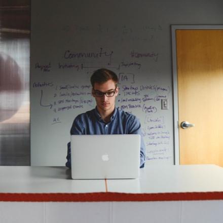 Virtuální asistentka nebo tým virtuálních odborníků?